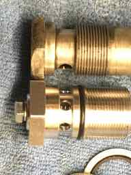 HNW valve compared with standard banjo bolt and filter